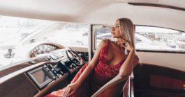 Яркие, успешные и очень богатые: 7 девушек из российского топа ТикТока