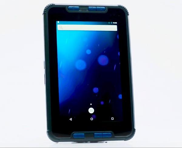 Отечественный планшет Аквариус NS208