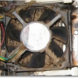 Как правильно почистить компьютера от пыли