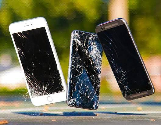 Стекло или плёнка - что эффективней убережёт экран смартфона от повреждения