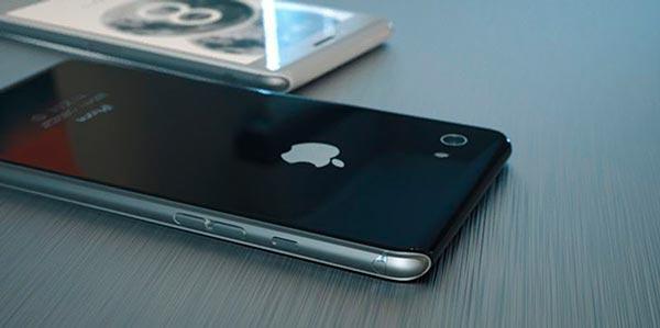 Айфон лежащий на столе