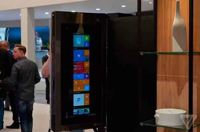 Холодильник LG на выставке EFA 2016
