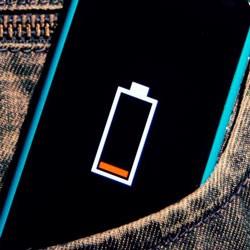Почему не заряжается телефон — причины и решения