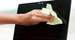 Чем протирать экран ноутбука: лучшие средства