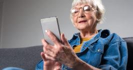 Лучшие смартфоны для людей преклонного возраста: топ-10
